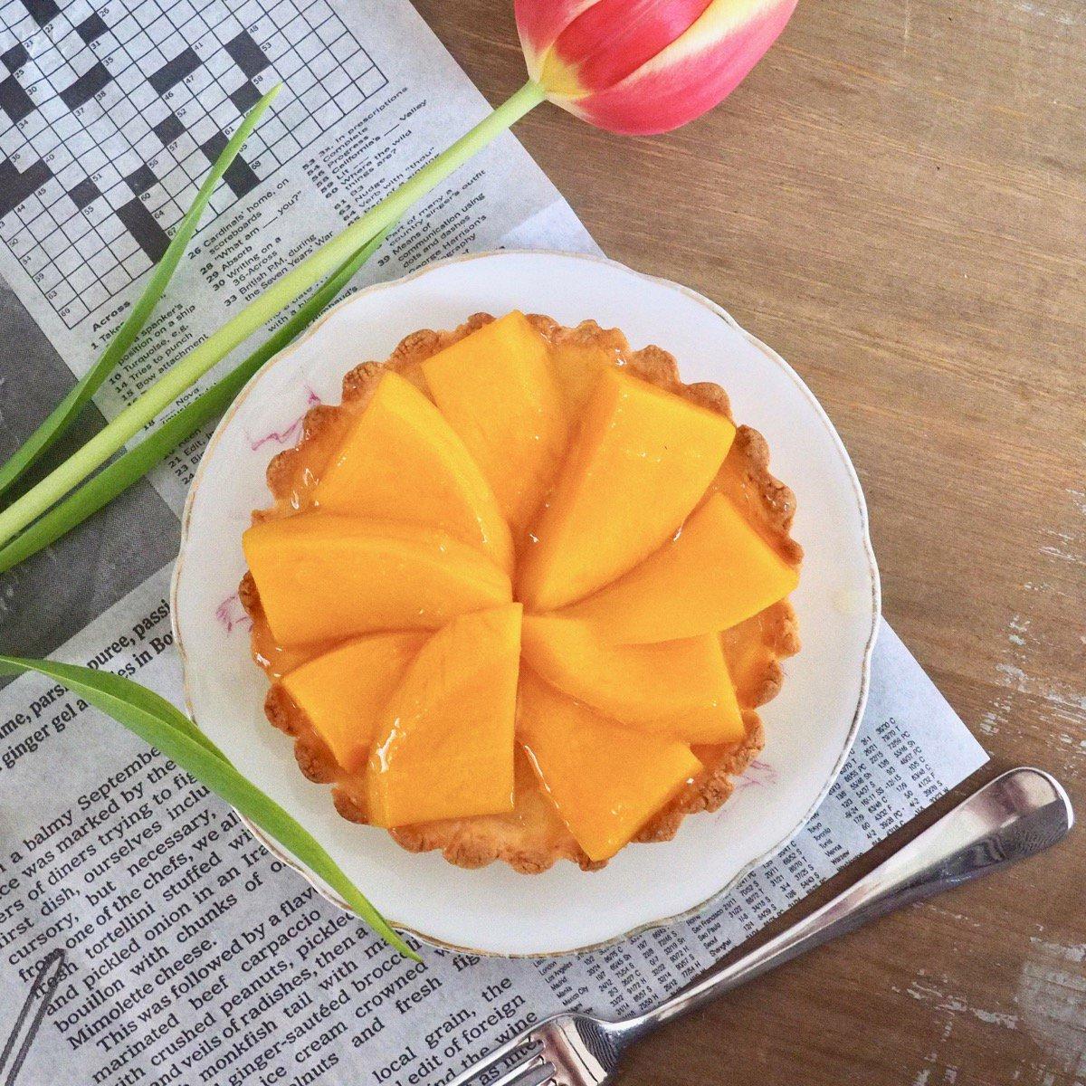 Glutenvrije rijstevlaai gebakjes met mango