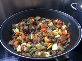 Vlees en groentemengsel voor de ovenschotel