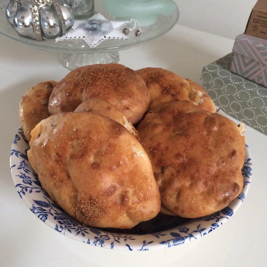 Glutenvrije kwarkbollen met rozijnen en walnoot
